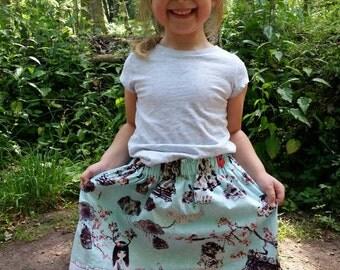 Pretty skirt made in Wonderland age 4-5 years
