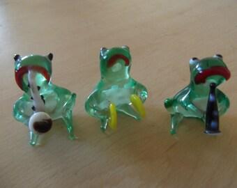 Vintage glass frog band