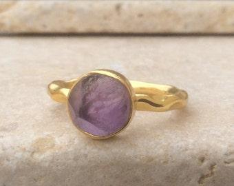 Raw Gemstone Ring, US 8, Raw Amethyst Gold Hammered Ring, Rough Natural Gemstone, Rough Amethyst Ring, Natural Amethyst Gemstone Gold Ring