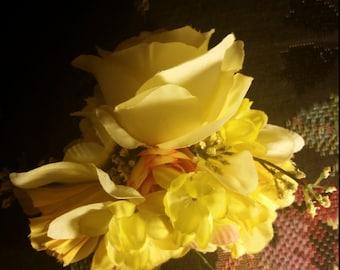 Grand Yellow Rose Arrangement Hair Clip