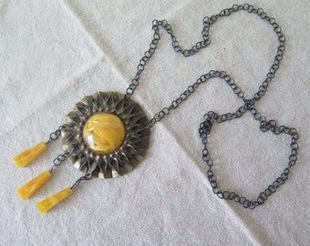 Vintage Faux Amber Sun Necklace 70s Costume Jewelry Folk Necklace @130