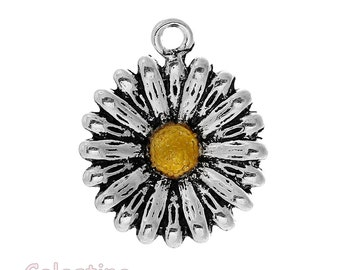 4 Antique Silver Sunflower Charms 24mm - Flower Charms Daisy Pendants Summer - TS505