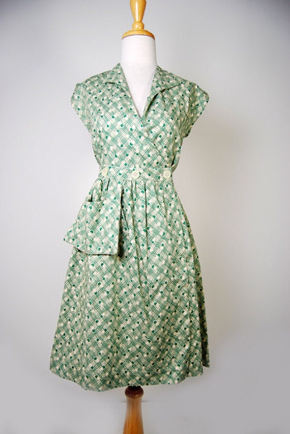 1930s Style Day Dresses 1930s Cotton Day/House Dress Retro Print Green Weave $58.00 AT vintagedancer.com