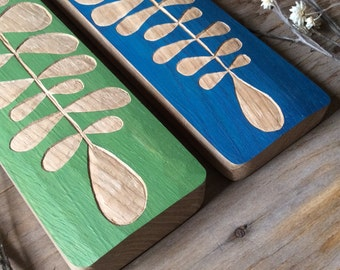 GREEN PLANT LEAF in wood oak...ready for shipping!