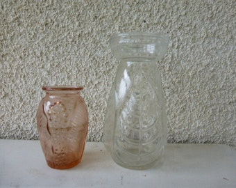 Lot of vases composed of a hyacinth vase clear glass and a pink vase vintage 1950