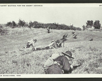 Vintage WWII Postcard - U.S. Infantry on War Maneuvers in 1940   (1538)