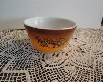 Vintage Pyrex Nesting/Mixing Bowl, Small brown Fruit Bowls 1 1/2 Pint. Circa. 1970