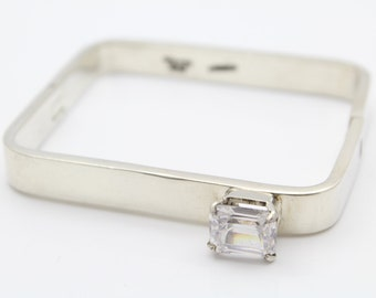 Heavy Modernist Rectangular Hinged Bangle With CZ in Sterling Silver. [11133]
