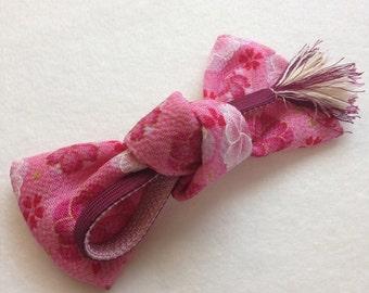 Bow barrette, pastel pink Japanese sakura fabric Bow, Chirimen barrette, Sakura hair accessory,  ribbon , FREE SHIPPING