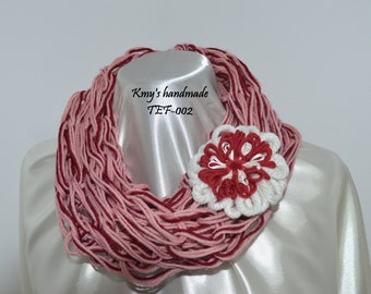 Wool scarf, neck warmer, pink, includes the pin-shaped flower