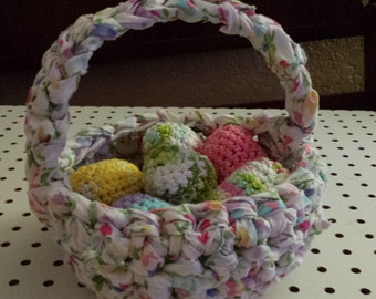 Basket with 6 eggs