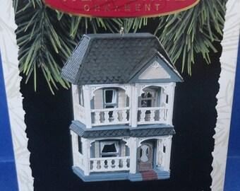1993 Cozy Home Hallmark Retired Ornament Nostalgic Houses and Shops Series