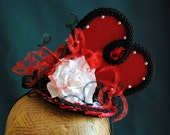 Queen of Hearts Cosplay Headpiece,Alice in Wonderland Costume Fascinator,Gothic Heart Red and Black Mini Hat - Ready to Ship