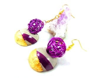 earrings in fuchsia and gold wire concrete