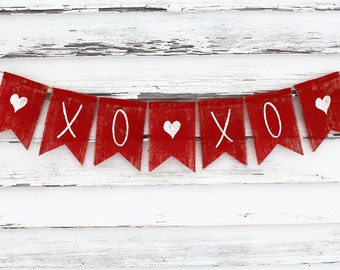 Valentines Day Decor, Valentines Banner, Valentines Burlap Garland Bunting, Be Mine Banner, XOXO Banner, Happy Valentines, XOXO Photo Prop
