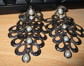 """vintage dark silvertone dangling earrings 3.5""""drop new condition with faux pearls for pierced"""