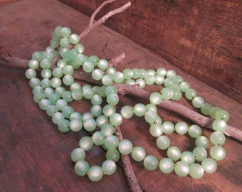 vintage gold tone pastel light green lucite bead necklace