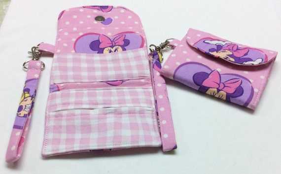 The Minnie Mouse Tri-Fold Wrist Wallet
