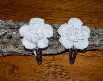 Set of 2 white crochet flower hair pins, girl hair pins, hair clips, baby hair clips, toddler hair clips, hair accessories