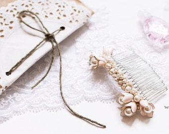 Ivory rose flower pearl hair comb, wedding hair comb, bridal hair comb, wedding comb, pearl hair comb, wedding hair piece, bridal headpiece
