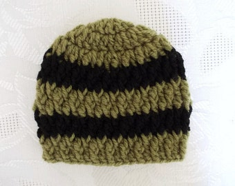 Crochet baby hat Green and black baby hat Baby boy hat Newborn boy outfit Winter newborn hat Striped baby hat Bring home outfit