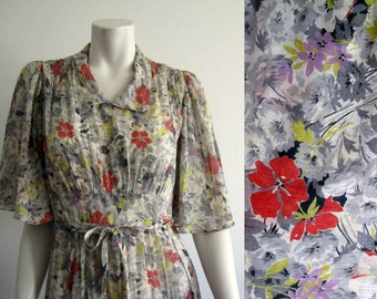 1930s Dress / 30s Dress / Printed Cotton Voile / Butterfly Sleeves / SMALL