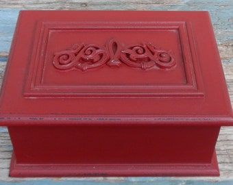 Red Wooden Trinket/Jewelry Box!