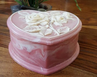Gorgeous Vintage Pink Heart Stoneware Trinket Box With White Roses Raised Design Lid