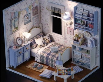 wooden dollhouse miniatures 1:12 furniture kit set for sale doll house with lightin