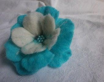 Felt flower, turquoise flower brooch, felt brooch flower,felt jewelry, poppy felted  flower,women accessories,hairclip  flower, gift for her