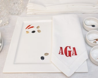 White Embroidered Personalized Table Napkins. Monogrammed Napkins. Wedding Embroidered serviette.Cotton Embroidered napkins. Wedding napkins