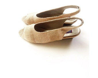 the vintage textured slingback . vintage linen burlap and leather sandal . vintage minimal shoes