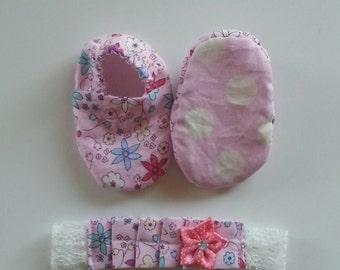 Newborn Shoes and Ruffle Head band Set; Pink flowers