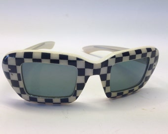 50s vintage sunglasses CAT EYE made in France black and white gingham pattern