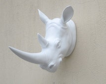 Articles populaires correspondant faux rhino head sur etsy for Decoration murale tete animaux
