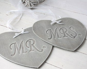 Mr &r Mrs Chair Plaques, Mr and Mrs Wedding Plaques,Engraved MR and MRS Wedding Signs, Wedding Chair Signs, photo props, wedding photography