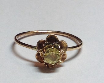 Vintage 10k Yellow Gold Topaz Flower Ring