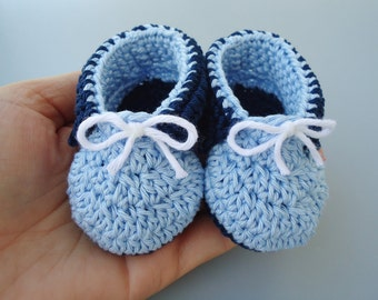 Crochet Baby boy shoes like a prince blue tons, baby accessories, confy shoes