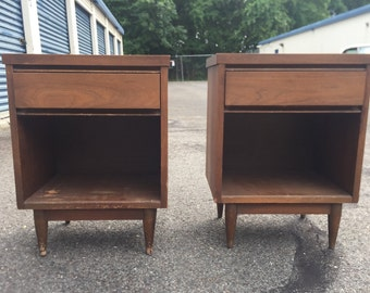 Pair of Vintage Mid Century Modern Nightstands or End Tables