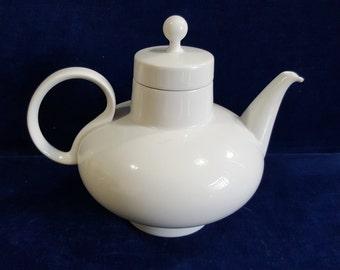 Cool vintage white ceramic teapot H&Co. Selb Bavaria Germany Heinrich