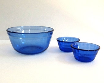 Vintage Cobalt Blue Bowls, Anchor Hocking 1.5 Quart Cobalt Blue Mixing Bowl & 2 Pyrex Cobalt Blue Custard Bowls
