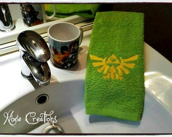 Embroidered Bath Towel Triforce - The Legend of Zelda inspired