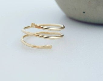 Wrap ring / gold filled / sterling silver / unique / simple / wire ring / gift / minimalist