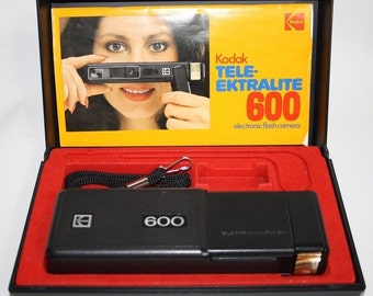 Vintage Camera Kodak Tele-Ektralite 600 Reomar 24 mm Lens Elektronic Flash Boxed