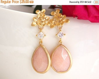 SALE Wedding Jewelry, Bridesmaid Jewelry, Flowers and Cubic Zirconia and Ice Pink,Pink, Bridesmaid Earrings, Drop, Gold, Dangle,Brides Gifts