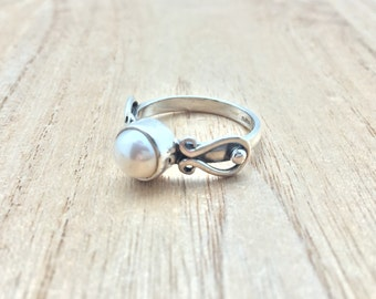South Sea Pearl Ring // 925 Sterling Silver // Bali Swirl Setting // Natural White South Sea Pearl Ring