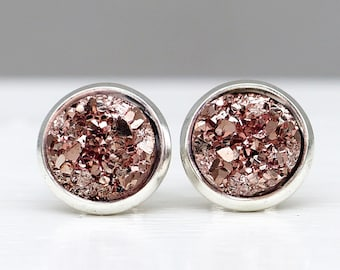 Delicate silver earrings with a rose Druzy