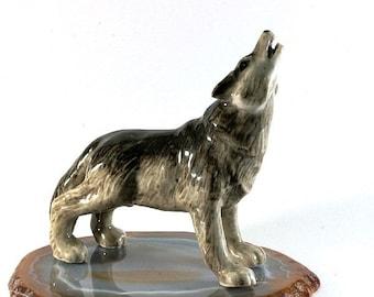 Wolf, handpainted porcelain figurine 3748