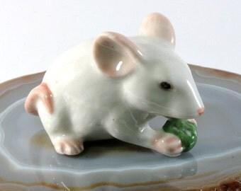 Mouse - handpainted porcelain figurine - 4416