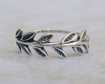 Sterling Silver Ring, Silver Leaf Ring, Silver Floral Ring, Silver Ring, Silver Band Ring, Oxidized Silver Ring